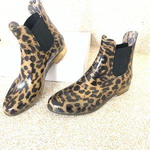 J crew : leopard rain boots